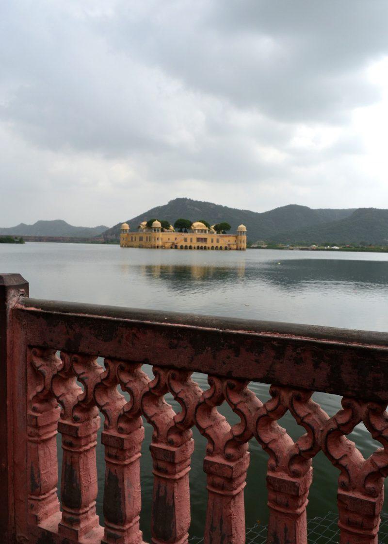 The floating palace, Jalmalah