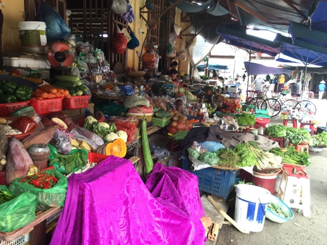 Hoi An fruit and veg market