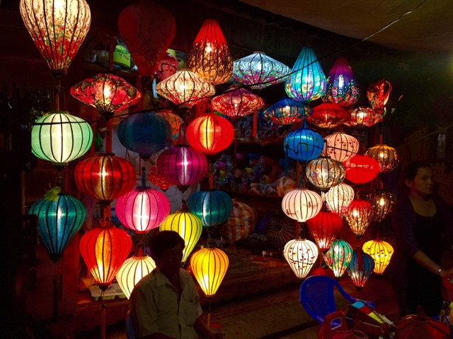 Large lanterns at a market stall