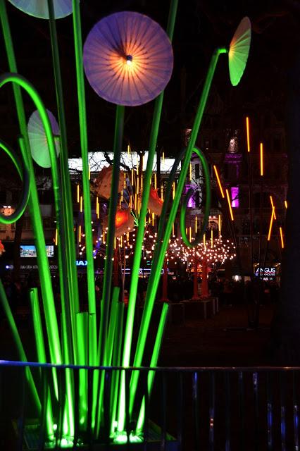 Huge green flower lights