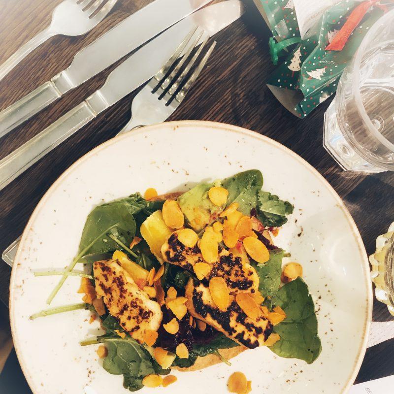 Beetroot, halloumi & avocado tostada