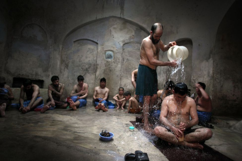 Moroccan Hammam: men in this example but it's a similar experience.
