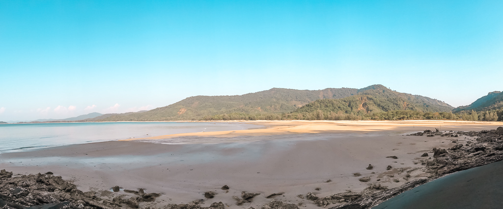 Myanmar Travel: no name beach
