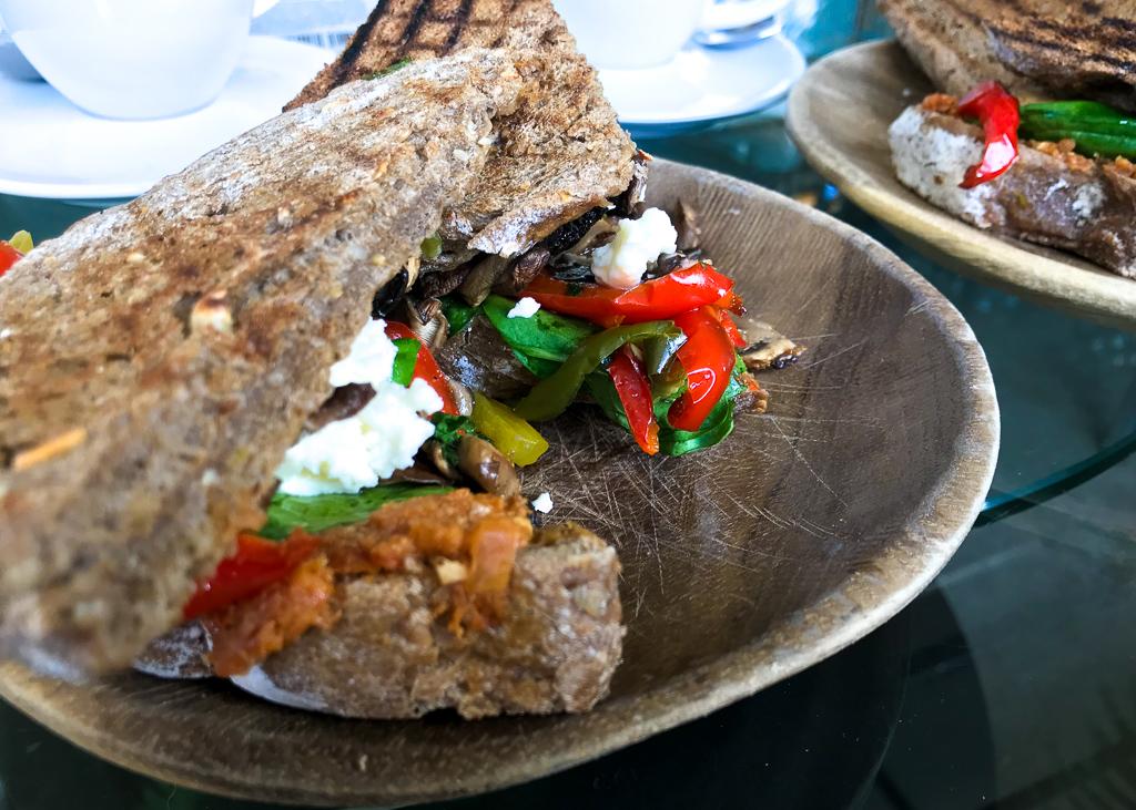 veggie amsterdam: Feta and red pepper sandwiches