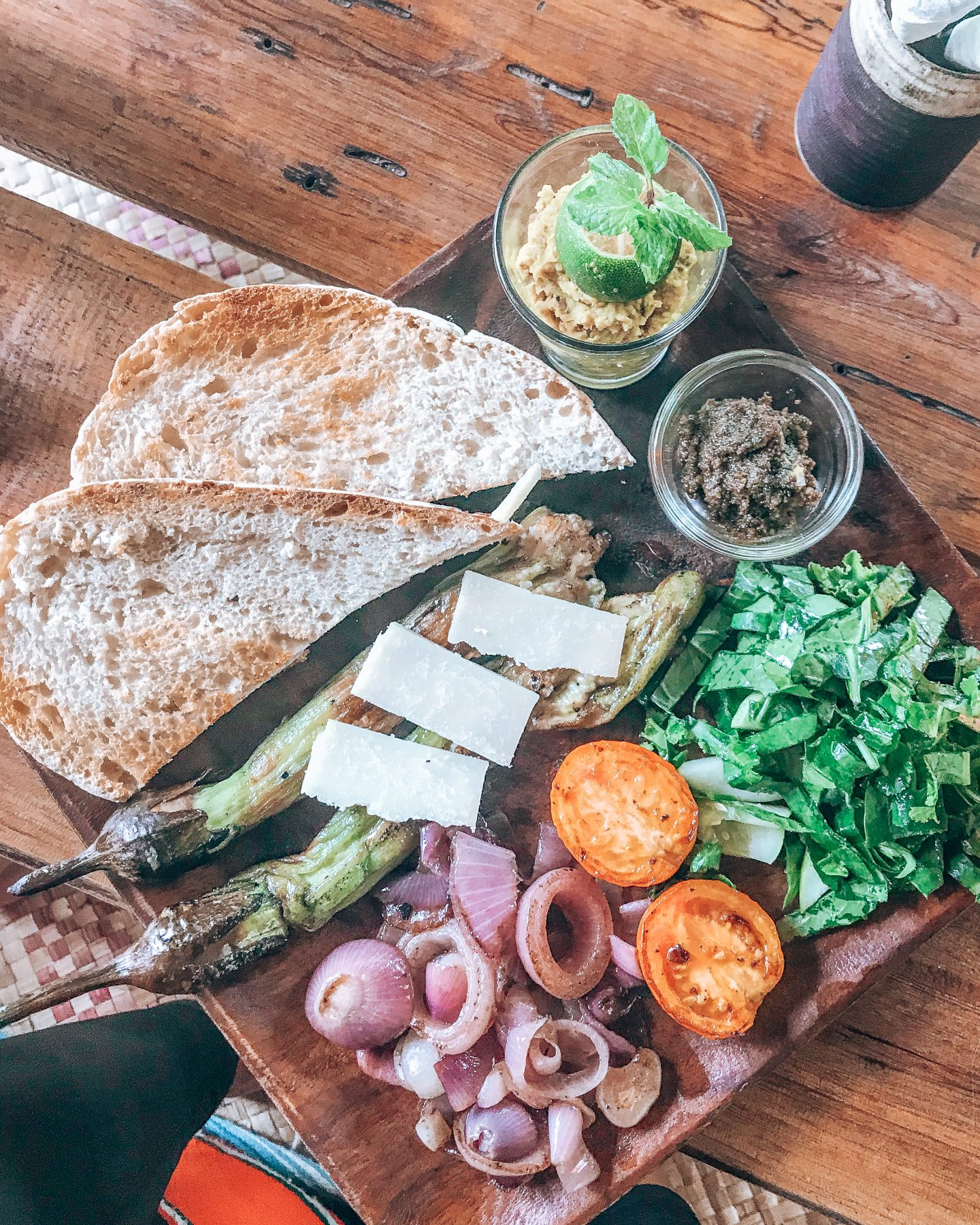 veggie food siargao: Vegetable platter at Common Ground