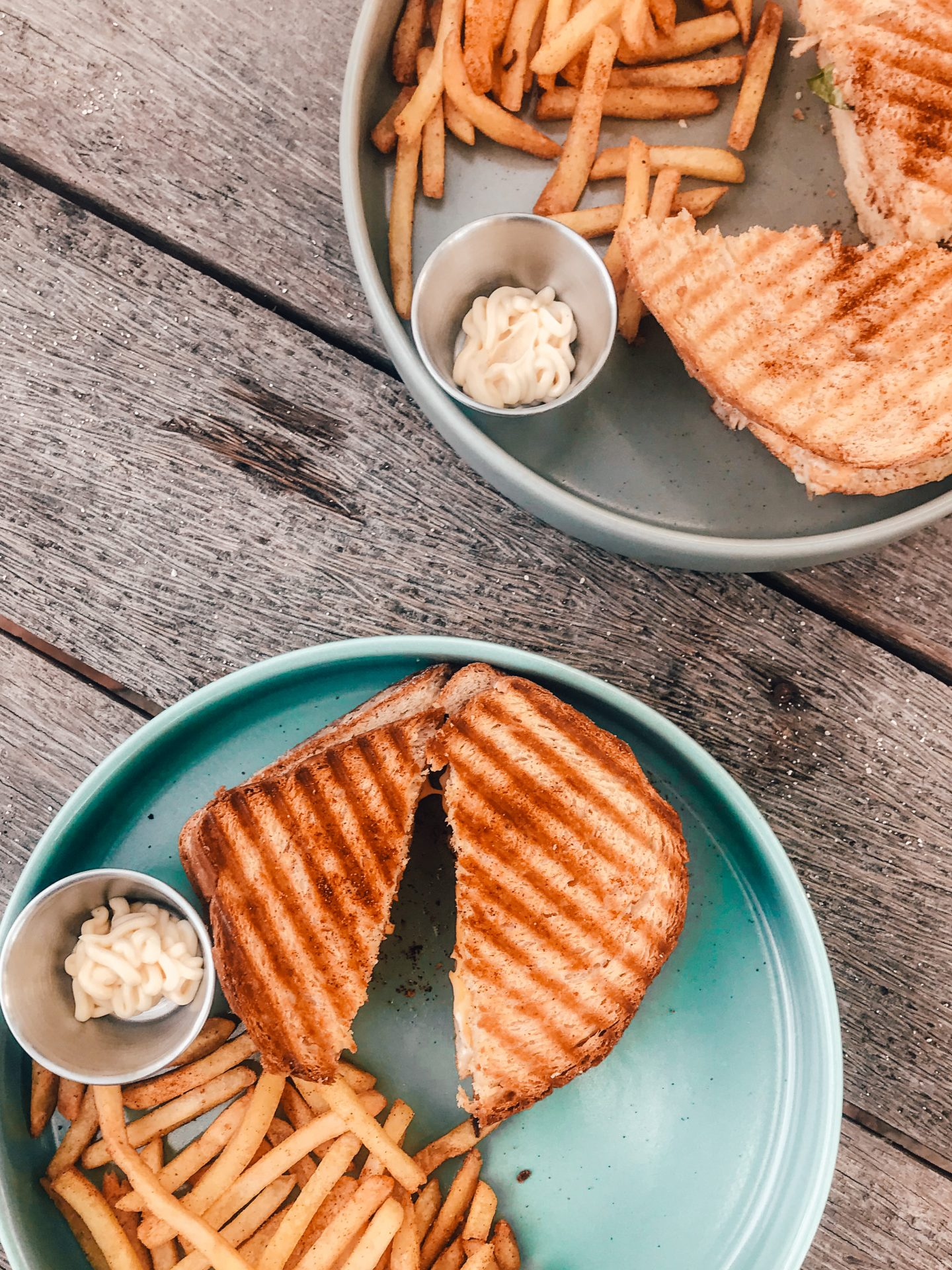 veggie food siargao: Toasties and chips